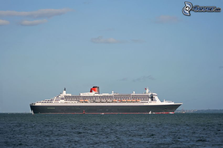 Queen Mary 2, luxury ship