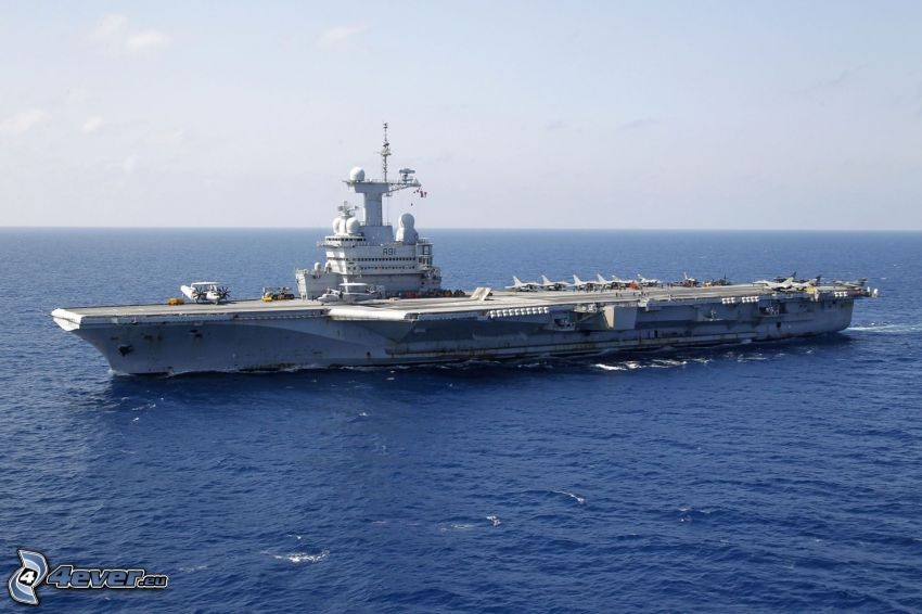 R91 Charles de Gaulle, aircraft carrier, open sea