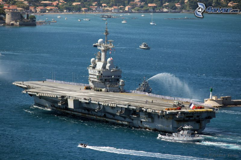 R91 Charles de Gaulle, aircraft carrier, sea