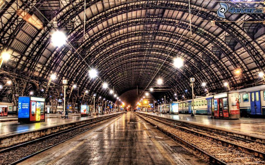 railway station, rails