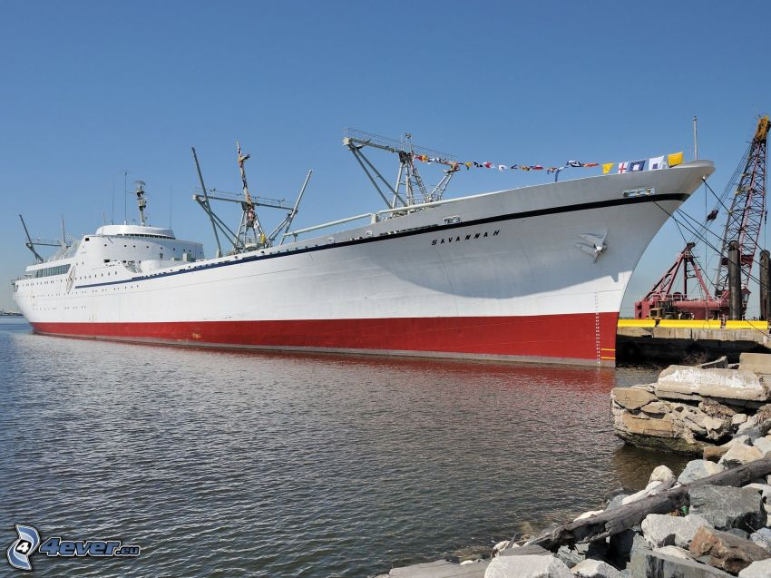Savannah, freighter