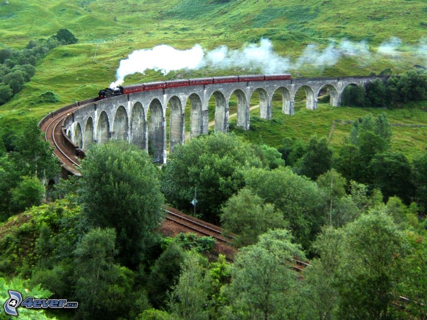 Glenfinnan Viaduct, Scotland, steam train, railway bridge