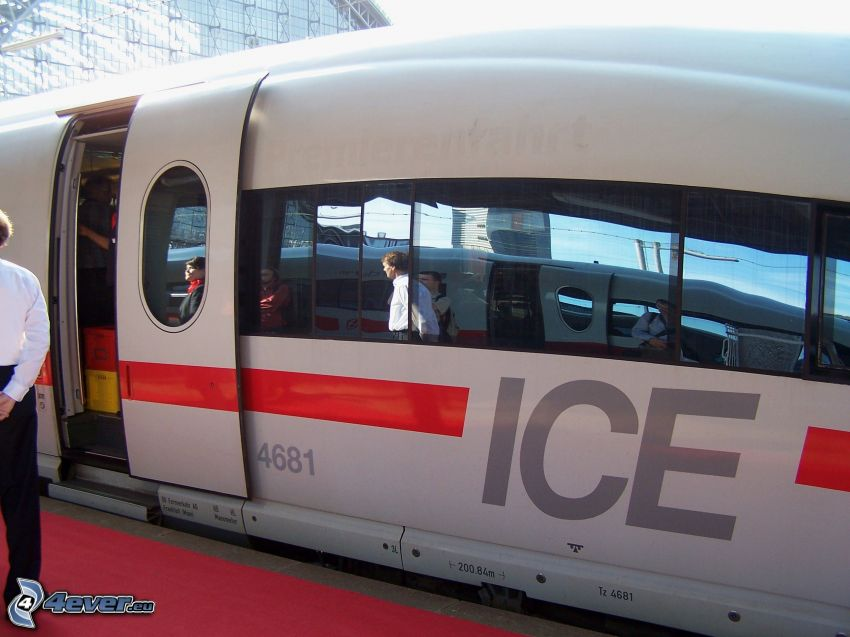 ICE 3, high speed train, door
