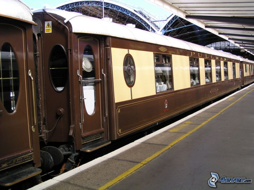 Orient Express, historic rail cars, Pullman, railway station, London