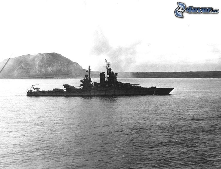 USS Idaho, sea, black and white photo